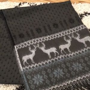 Accessories - Reindeer scarf